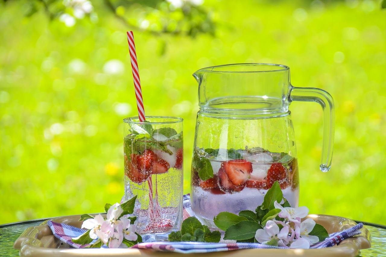 Gesunde Getränke für Kinder im Winter und Sommer - Kidsfit-Guide